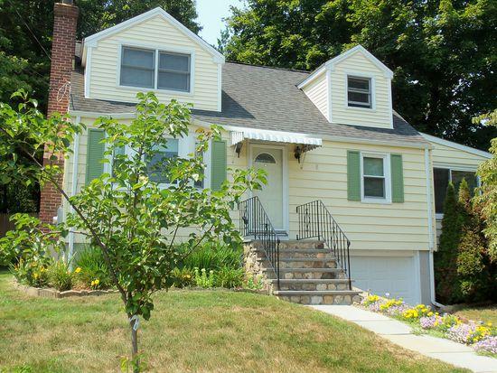 209 Strawberry Hill Ave, Norwalk, CT 06851