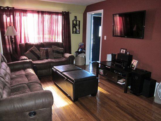 479 S Alfred Ave, Elgin, IL 60123