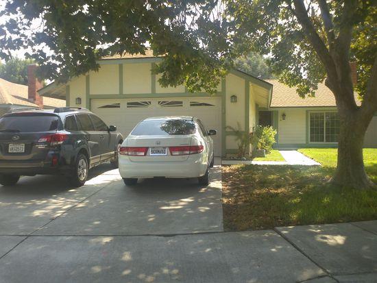 890 Smallwood St, Colton, CA 92324