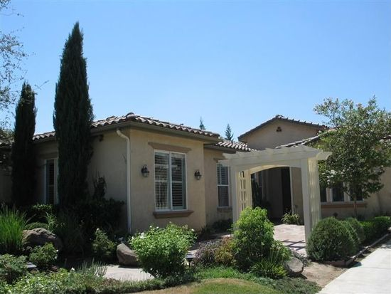 1454 N Cherry Ln, Clovis, CA 93619