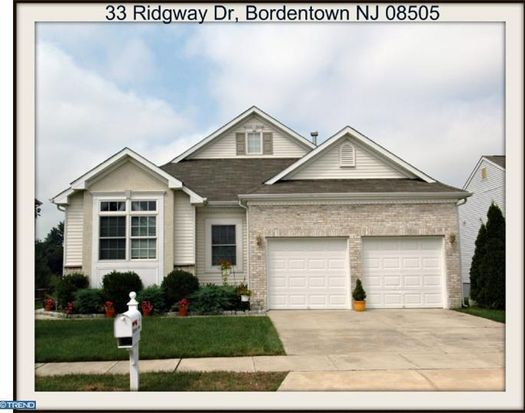 33 Ridgway Dr, Bordentown, NJ 08505