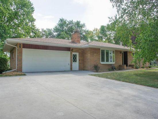 2301 Lilac Ln N, Fargo, ND 58102