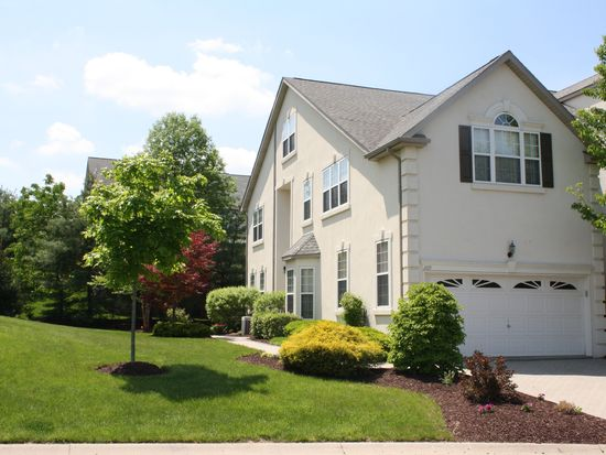209 Center Point Ln, Lansdale, PA 19446