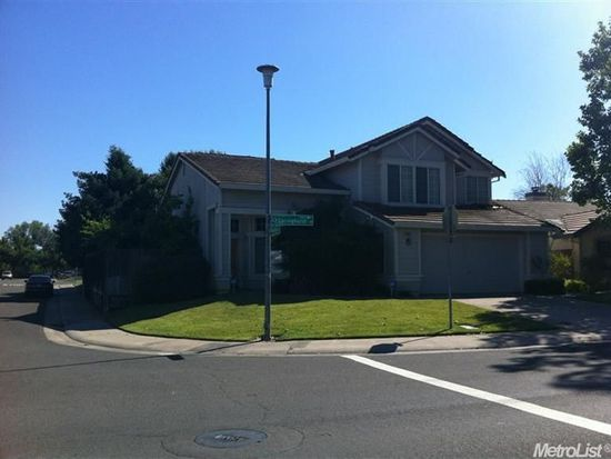 8886 Springhurst Dr, Elk Grove, CA 95624