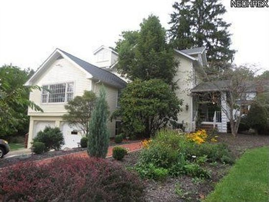 118 Miles Rd, Chagrin Falls, OH 44022