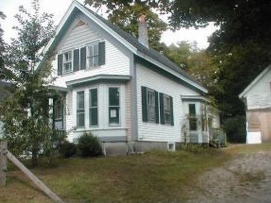 9 School St, Farmington, NH 03835