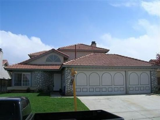12617 Sunbird Ln, Victorville, CA 92392