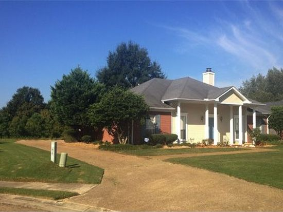 306 Colonial Dr, Madison, MS 39110