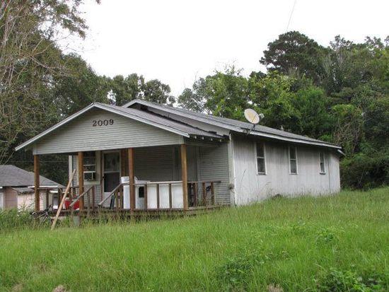 2009 N 5th Ave, Laurel, MS 39440