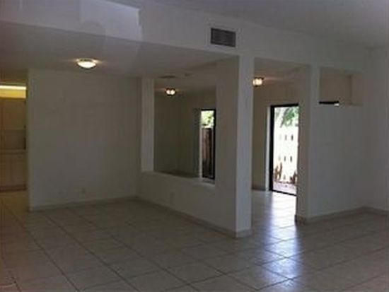 501 Racquet Club Rd APT 63, Weston, FL 33326