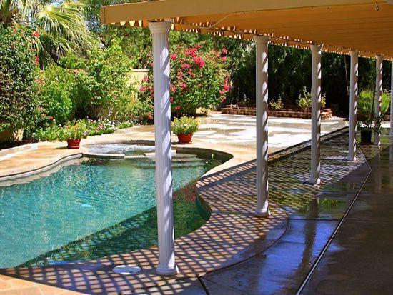 2750 E Vincentia Rd, Palm Springs, CA 92262