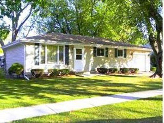 17 Concord Ave, South Elgin, IL 60177