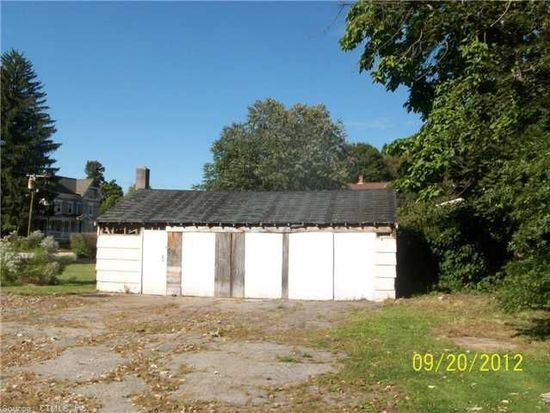64 Linnell St, Moosup, CT 06354