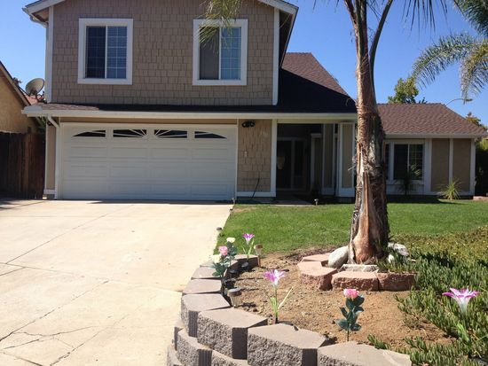 3910 Dorsie Ln, La Mesa, CA 91941