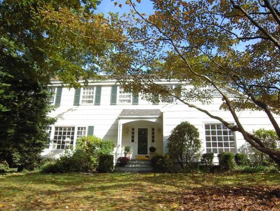 21 Georgian Ln, Darien, CT 06820