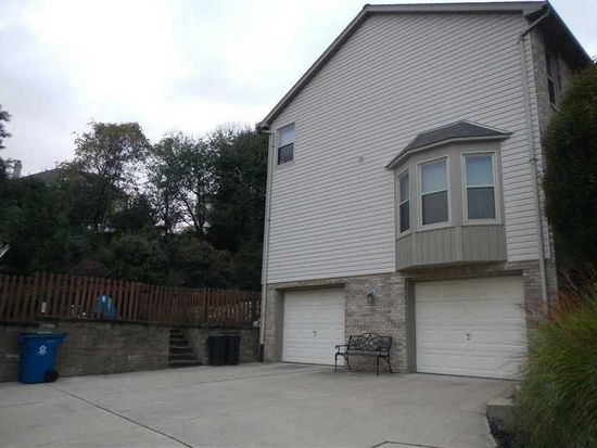 4025 Holiday Park Dr, Murrysville, PA 15668