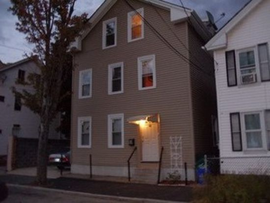 10 Ninigret Ave, Providence, RI 02907