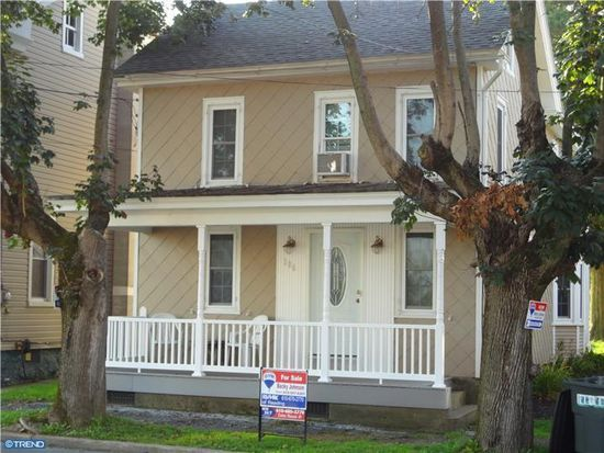 106 W Main St, Newmanstown, PA 17073