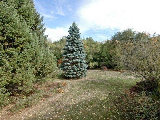 5805 Wild Plum Rd, Crystal Lake, IL 60014