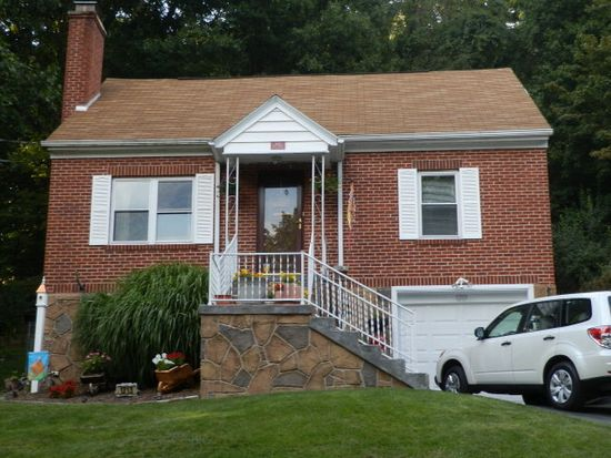 1213 East Dr, Bluefield, WV 24701