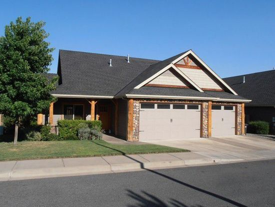 2173 Lissy Way, Grants Pass, OR 97526