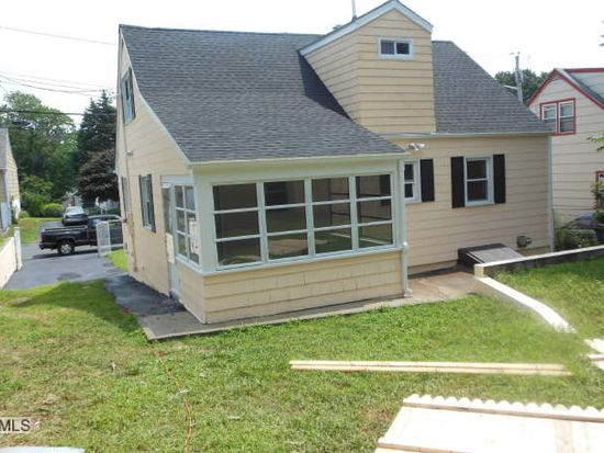 189 Greenwood St, Bridgeport, CT 06606