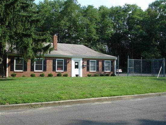 37 Terry Dr, Feasterville Trevose, PA 19053