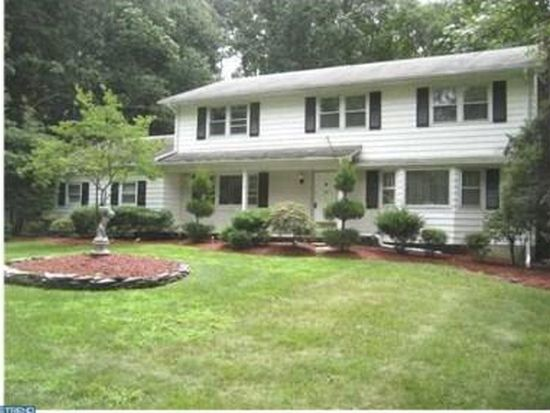 13 Woodcrest Cir, Monroe Township, NJ 08831