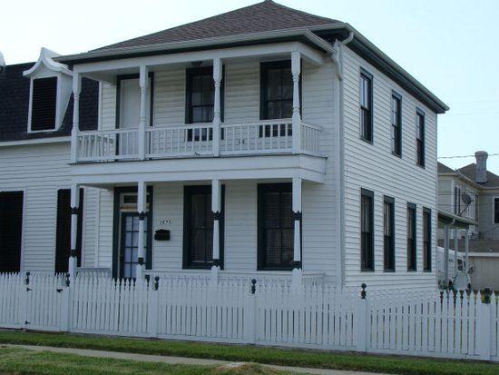 1621 Winnie St, Galveston, TX 77550
