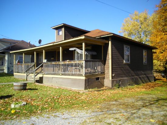211 Ridge Ave, Beckley, WV 25801