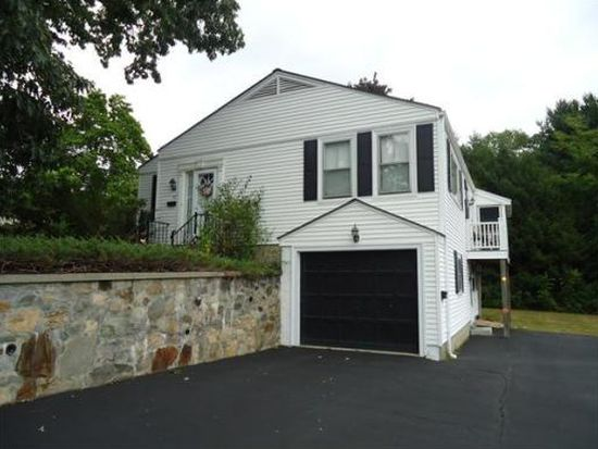 27 Forest St, Haverhill, MA 01832