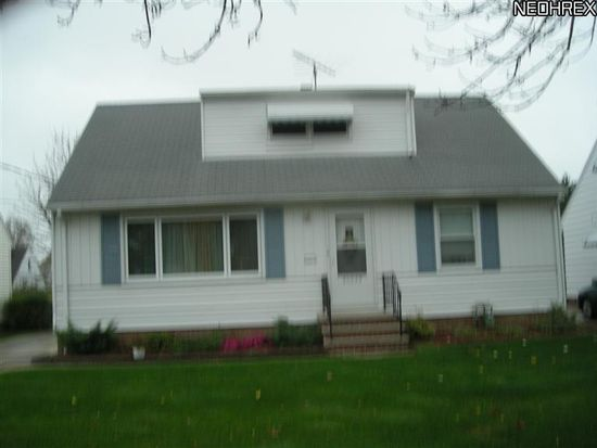 30039 Warren Rd, Wickliffe, OH 44092
