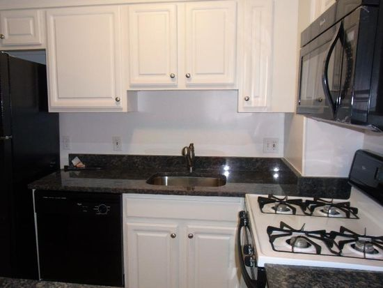 145 Commercial St APT 129, Boston, MA 02109