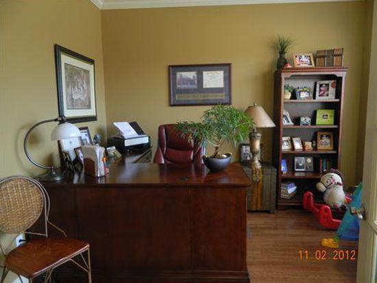 2390 N Water Oak Dr, Fayetteville, AR 72704