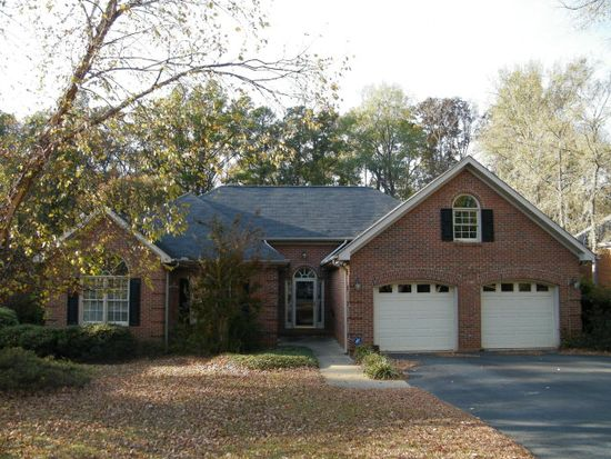 110 Live Oak Ct, Greenwood, SC 29649
