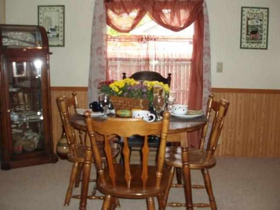 361 S Gray Rd, Connersville, IN 47331