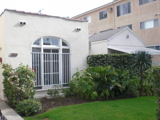 944 Havenhurst Dr, West Hollywood, CA 90046