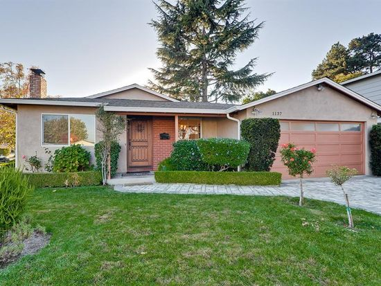 1137 Scotland Dr, Cupertino, CA 95014