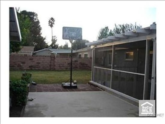 23718 Vanowen St, Canoga Park, CA 91307