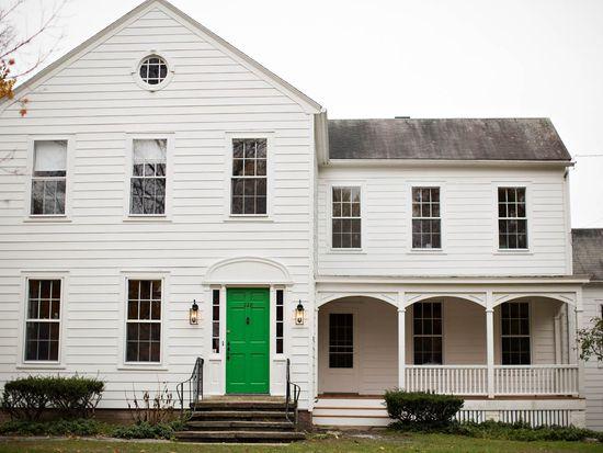 228 Pinewoods Ave, Troy, NY 12180