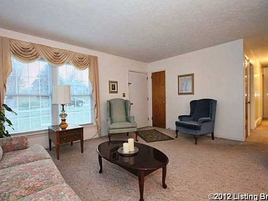3207 Cabinwood Dr, Louisville, KY 40220
