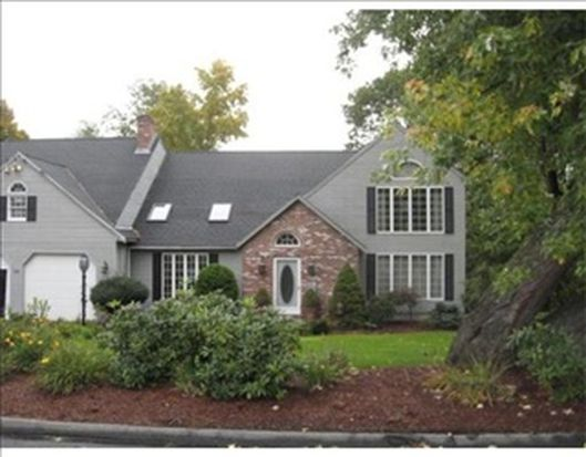 158 Quinapoxet Ln, Worcester, MA 01606