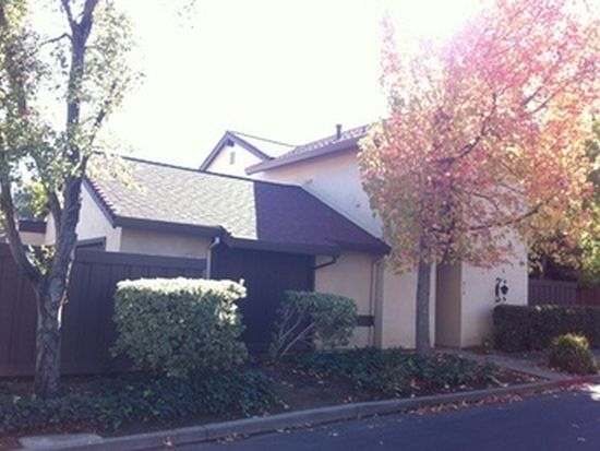 310 Creekview Ct, Vacaville, CA 95688