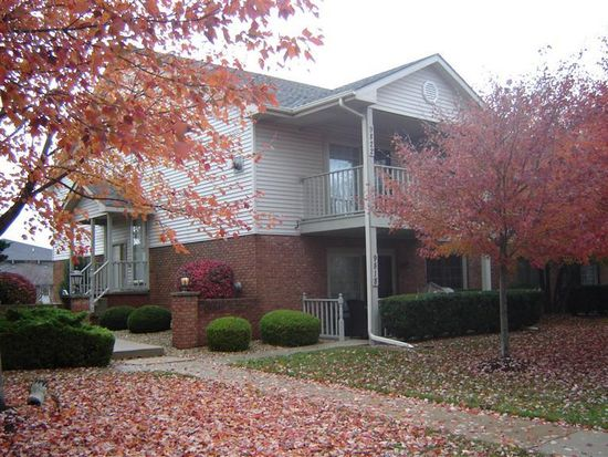 9822 Parkway Dr, Highland, IN 46322