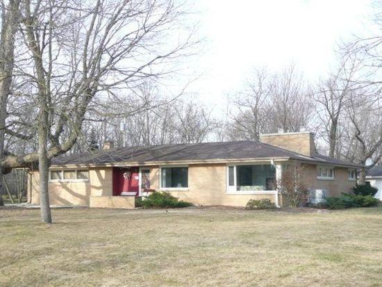 855 Rackwood Ct, Brookfield, WI 53045