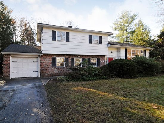 71 Arcadia Way, Hillsdale, NJ 07642