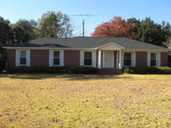 165 Colonial Dr, Barnwell, SC 29812