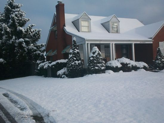 1221 Bourbon Ave, Louisville, KY 40213