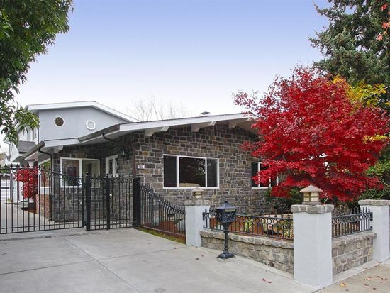 1552 Cypress Ave, Burlingame, CA 94010