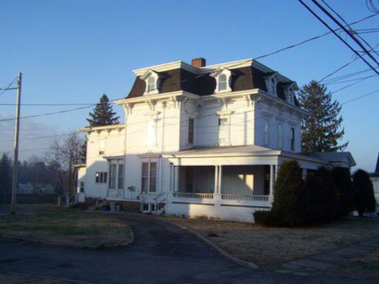 18 South St # A, Gouverneur, NY 13642